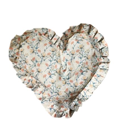 Poduszka serce z falbanką
